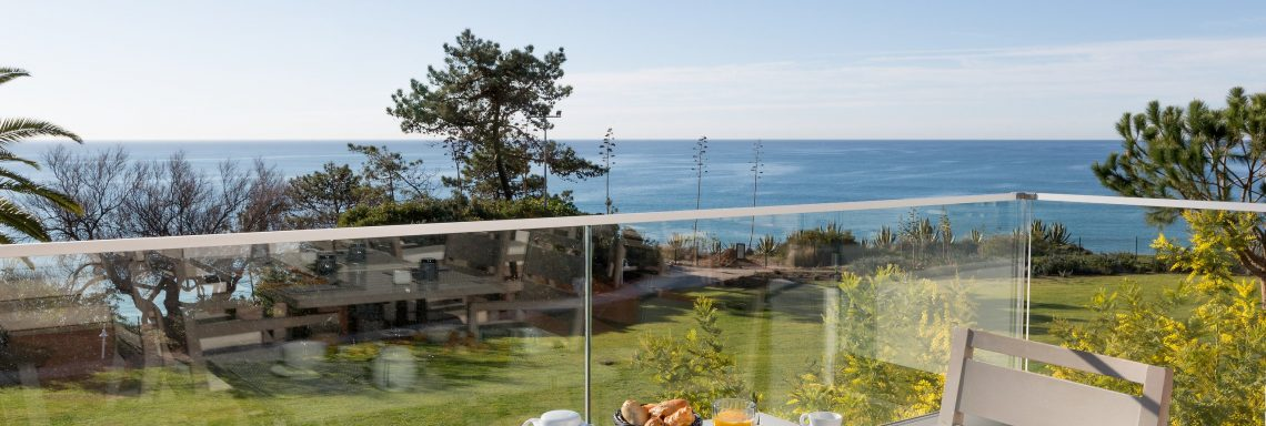 Club Med Da Balaia, Portugal - Picture of one of the terrace facing the sea during the day