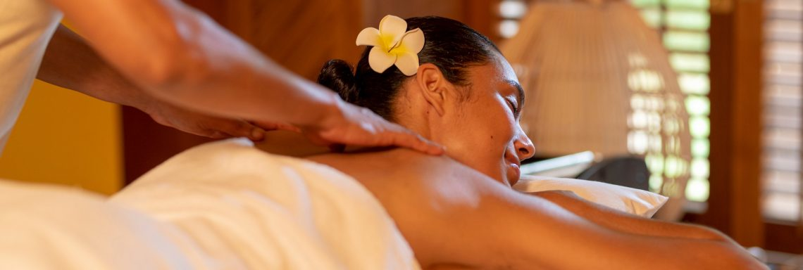 Club Med Pointe aux cannoniers, Mauritius - Image of a woman receiving a relaxing massage