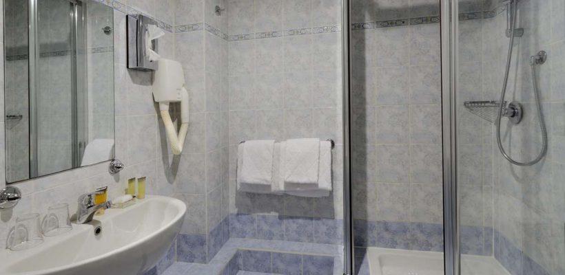 chambre_cervinia_club_med_bathroom