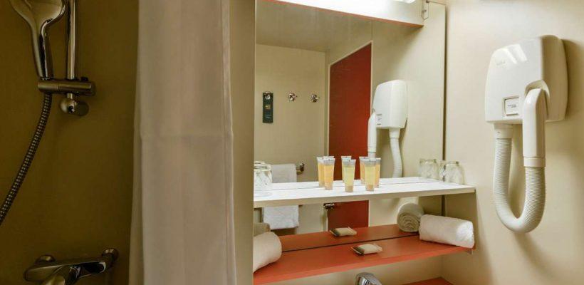 club-med-Alpes_Arcs_Extreme_Bathroom-
