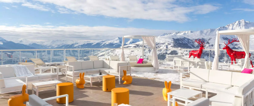 Club Med Arcs Panorama, in France - Image of an outdoor relaxation area, reserved for residents of the Espace Exclusive