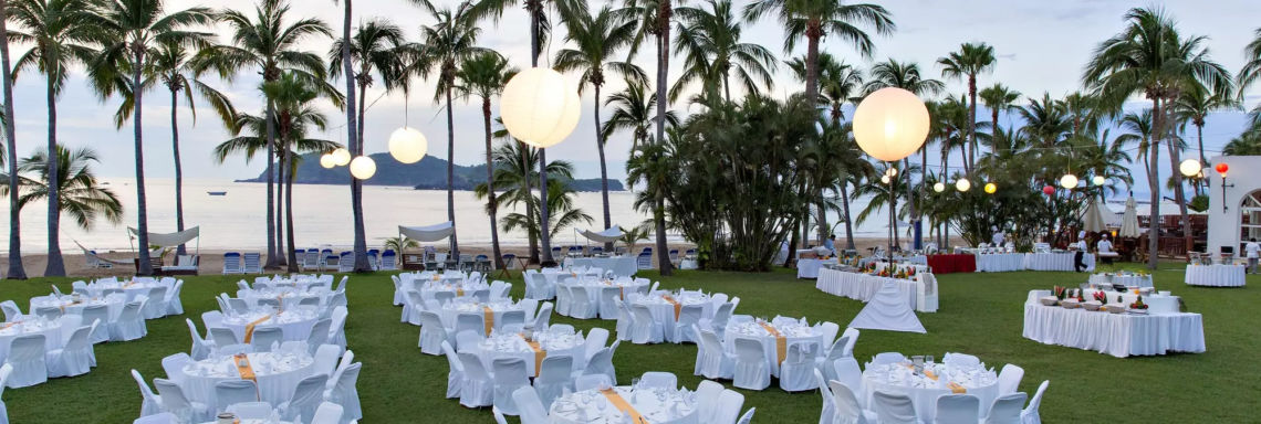 Club Med Ixtapa Pacific, Mexico - Image of a set of tables juxtaposed outside for a reception